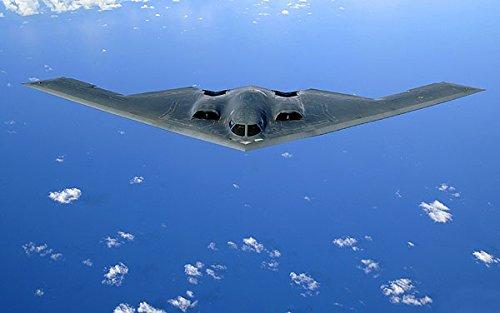 - B-2 SPIRIT STEALTH BOMBER PHOTO