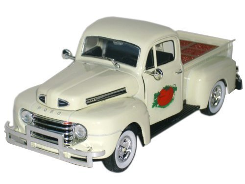 F1 Ford Truck Pickup - 1949 Ford F1 Pickup Truck with Tomato Crate 1:32 Scale (Cream)