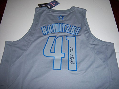 Signed Dirk Nowitzki Jersey - 06 07 Mvp Champs W coa Xmas - Autographed NBA Jerseys