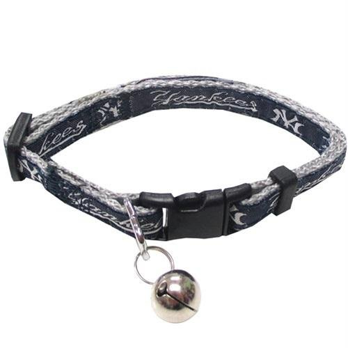 41dPt XTYlL - New York Yankees Breakaway Cat Collar