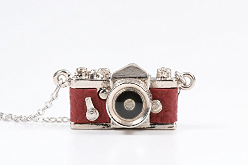 red camera necklace - 1