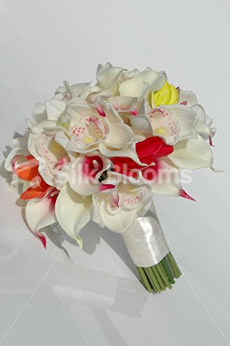 Tropical-Bridal-Bouquet-with-Frangipanis-Orchids-Calla-Lilies