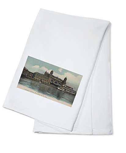 New York, NY - Immigrant Station on Ellis Island (100% Cotton Kitchen Towel)