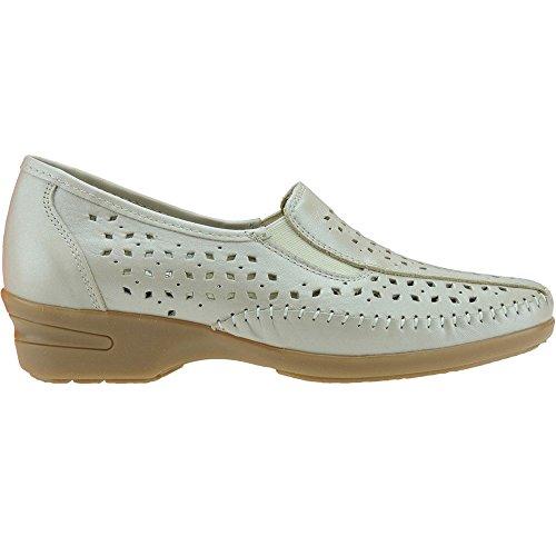 SAKUT - Zapato Comodón En Piel Calado Y Cuña De 4CM - Modelo D036.1 Beig