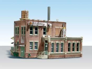 Clyde   Dales Barrel Factory   Built   Ready Landmark Structures R     Assembled   6 5 8 X 5 11 16  16 8 X 14 4Cm