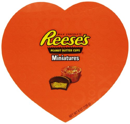 Reese's Valentine's Peanut Butter Cup Miniatures, 8-Ounce Heart Boxes (Pack of 3)