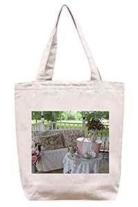 Pretty Picnic en el porche–lona de algodón Tote Bag