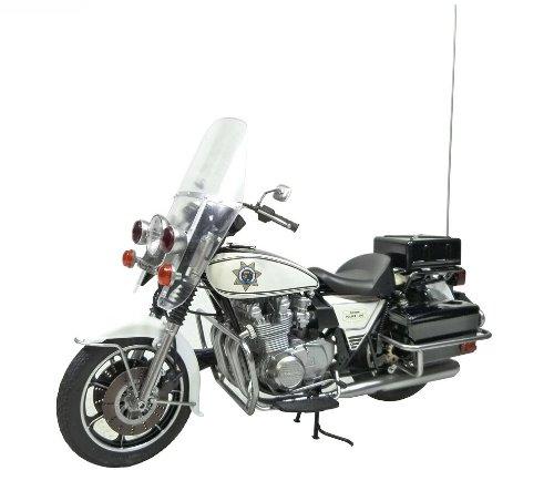 Aoshima Models AOS-003312 Kawasaki Police 1000 Window Shield Type Motorcycle Model Building Kit, 1/12 Scale (Plastic Window Model)