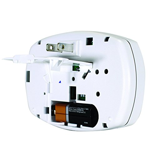 First Alert CO605 Frust Free Carbon Monoxide Plug-in Alarm with Battery Backup