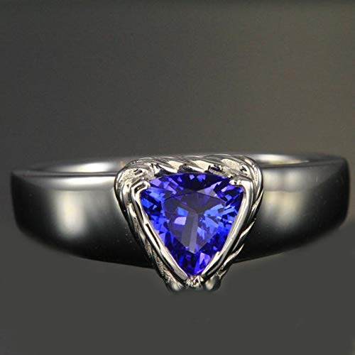 14k white gold trillant Tanzanite ring