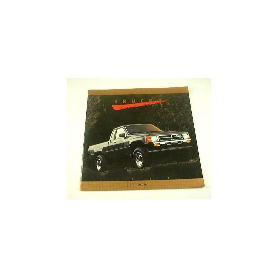 1988 88 TOYOTA Pickup TRUCK BROCHURE Turbo Xtracab SR5 Deluxe 4x4 4x2  Vehicles