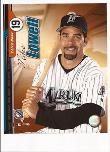 Mike Lowell Unsigned 8x10 Photo Florida Marlins ()