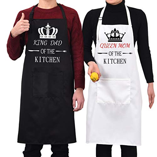 - 2 Pack Apron Set King Dad Queen Mom Apron with Pockets Black and White Waterproof Cooking Apron for Kitchen, Adjustable Baking Aprons for Wedding Men Women Couples Gift