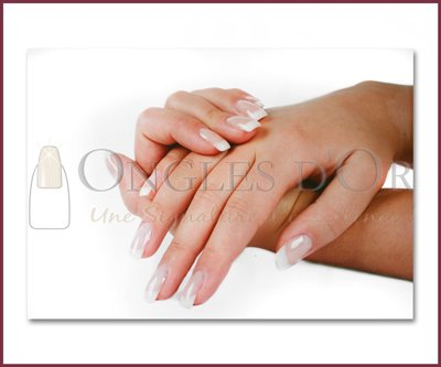 (Poster - Nail with Classic French Manucure (60 x 90 cm))