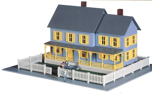 Model power ho scale building kit bella 39 s farm house for Farmhouse building kits