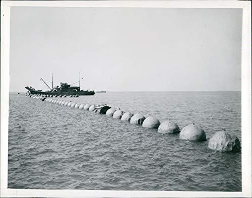 1944 Press Photo Ship WW2 Era Torpedo Net Layer Fish Vintage Water Boats 7X9 ()