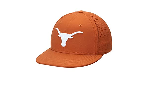 34c568f1 Amazon.com: NIKE Men's Texas Orange Texas Longhorns True Vapor Performance  Fitted Hat 7.5: Sports & Outdoors