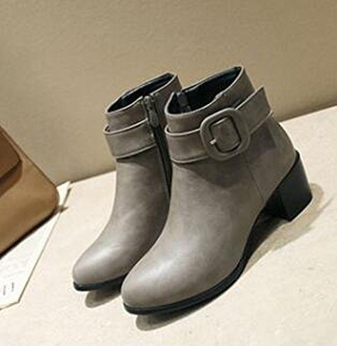 Easemax Mujeres Trendy Buckled Strap Punta Redonda Mid Chunky Heel Lateral Cremallera Botines Gris