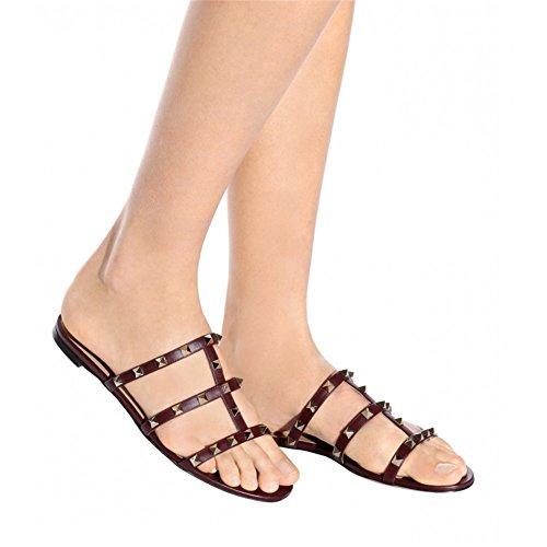 VOCOSI Women's Flat Studs Rockstud Sandals Casual Slipper Sandals Summer Burgundy With Gold Rivets 9aITIDm87