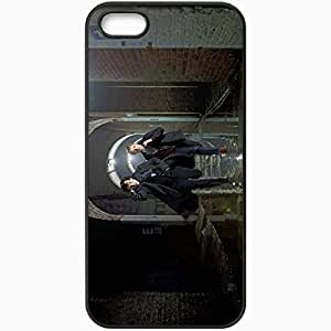 Personalized iPhone 5 5S Cell phone Case/Cover Skin Sherlock benedict cumberbatch martin freeman sherlock holmes dr. john watson running TV Series Black