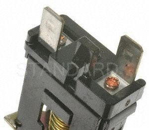 Standard Motor Products SLS82 Stoplight Switch by Standard Motor Products