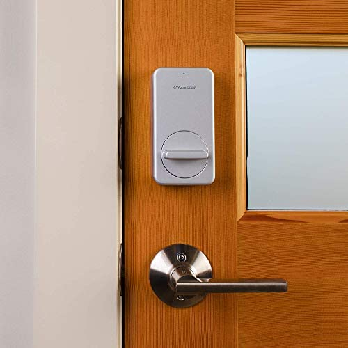 Wyze Lock WiFi and Bluetooth Enabled Smart Door Lock, Wireless & Keyless Door Entry, Hands-Free Voice Control, Home Security Compatible with Amazon Alexa, Fits on Most Deadbolts, Includes Wyze Gateway 41drwpWv1xL