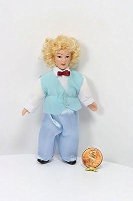 Amazon.com: Dollhouse miniatura Blonde Boy Doll en un traje ...