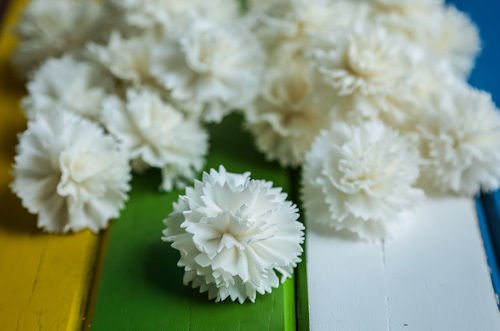 50 Carnation 4cm dia Diffuser Flowers Sola Balsa Wood Wholesale Spa Wedding Good Feeling Gift (Balsa Wood Wholesale)