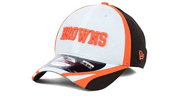 fe5d154bf3b Amazon.com   Cleveland Browns New Era 3930 Flex Fit On Field Training Size  Medium   Large Hat Cap - Best Fits 7 Through 7 3 4   Sports   Outdoors