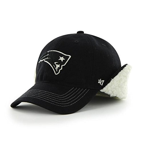 25db898365d Amazon.com   NEW England Patriots Black Boone 47 Brand Franchise Hat Fitted  Size Medium   Sports   Outdoors