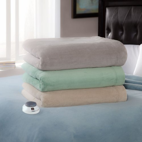 Luxe Plush Blanket Size:
