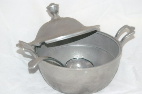 Wilton Armetale Soup Tureen with Ladle (Pewter Tureen Soup)