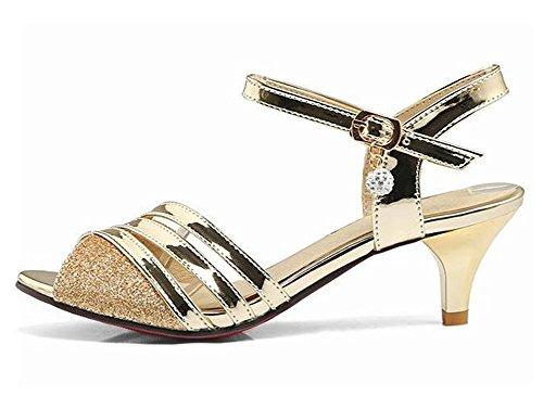 Sandali Con Cinturino Alla Caviglia Con Cinturino Alla Caviglia Con Fibbia In Oro E Cinturino Alla Caviglia