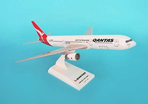 qantas-767-300-1200-new-livery
