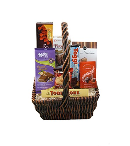 CHOCOLATES & COOKIES BASKET by Trias Flowers - Fresh and Hand Delivered - Miami - Baskets Congratulations Cookie