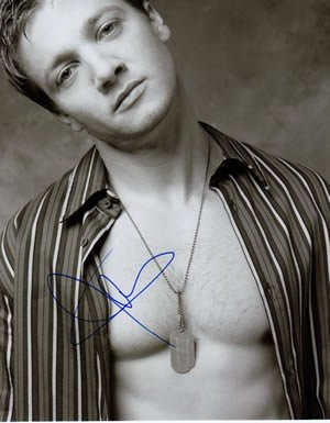 jeremy-renner-signed-in-person-8x10-photo-semi-shirtless