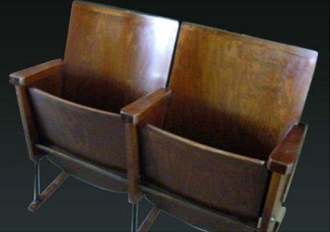 Sedie Cinema Antiche.Sedie Cinema Vintage 4 Posti Colore Noce Chiaro O Scuro