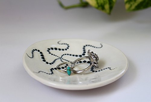 Black-and-White-Starfish-Dish-Spoon-Rest-or-Ring-Holder