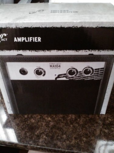 First Act Gaming Amplifier for PSP/DS/DSi/Electric Guitars by First Act