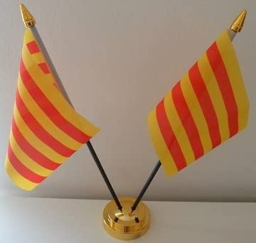 De la bandera de España de la bandera de Cataluña 2 de sobremesa con pantalla de mesa dorado Base: Amazon.es: Hogar