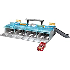 Enjoy big Disney/Pixar Cars competition thrills on this whopping 8-lane race set! Place your favoriteracers in the starting position, then launch them into action. This colorful competitionset includes a ramp to the top viewing deck, true-t...