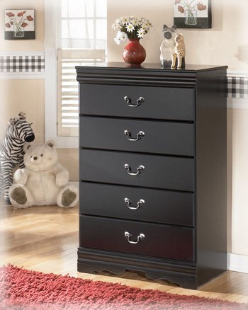 Ashley Furniture Signature Design - Huey Vineyard Chest of Drawers - 5 Drawers - Vintage Casual Louis Philippe Styling - Black