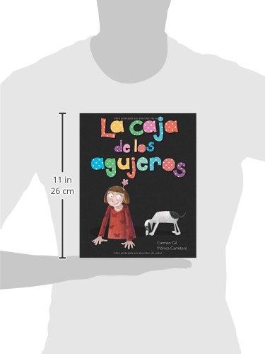 La caja de los agujeros (Spanish Edition): Carmen Gil, Mónica Carretero: 9788415784401: Amazon.com: Books