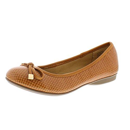 Gold Toe Malorie Womens Comfortable Memory Foam Ballet Flat Shoe,Work Comfort Dress Flats Low Wedge Pump for Women Camel 8W ()