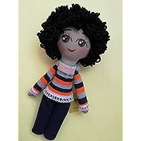 Muñeca de trapo diseñada, elaborada y pintada a mano