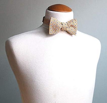 7303260ebaf5f Le Coq en Pap' Noeud papillon jaune moutarde japonais saki: Amazon.fr:  Vêtements et accessoires