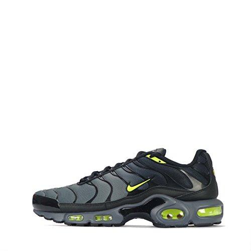 Nike Men's Air Max Plus Low-Top Sneakers Dark Grey/Volt-Black Ubo3J