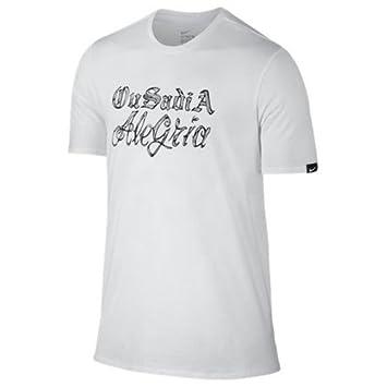 Nike Verbiage tee - Camiseta Línea Neymar para Hombre  Amazon.es  Deportes  y aire libre 67738fd34c22a