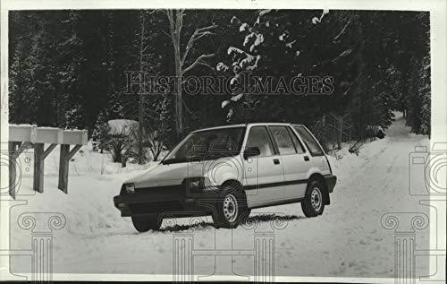 Vintage Photos 1985 Press Photo Honda Civic 4WD Wagon Automobile in a Snowy Wilderness - Honda Civic 4wd
