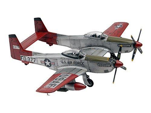 (Revell-Monogram 1:72 Scale Twin Mustang F-82G Plastic Model Kit by Revell-Monogram)
